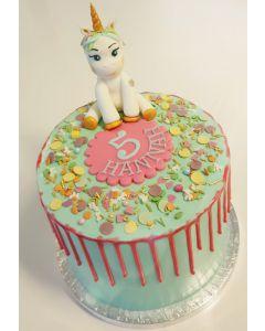 Unicorn Dripcake